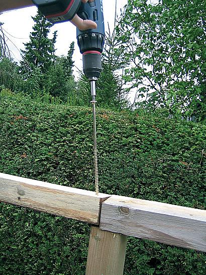 spojování pomocí vrutů do dřeva